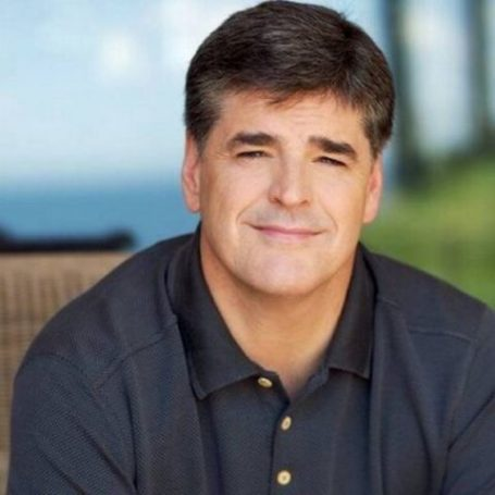 Sean Hannity lives a healthy lifestyle where he follows diet plans and MMA workout sessions.